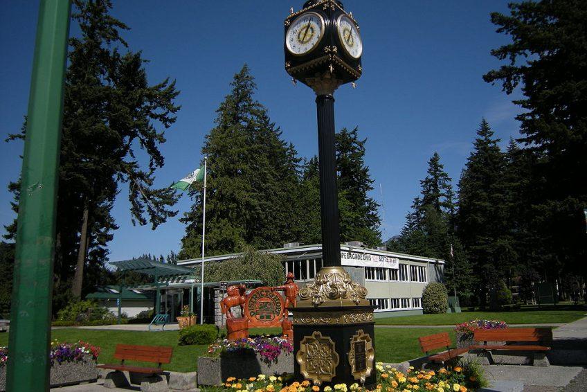 Hope Public Library (Former Municipal Hall) | Credit: Joe Mabel CC-BY-SA-3.0 Wikimedia | Hope, BC