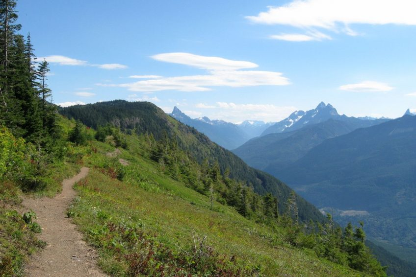 Spectacular view from Elk Mountain hiking trail | Chilliwack, BC