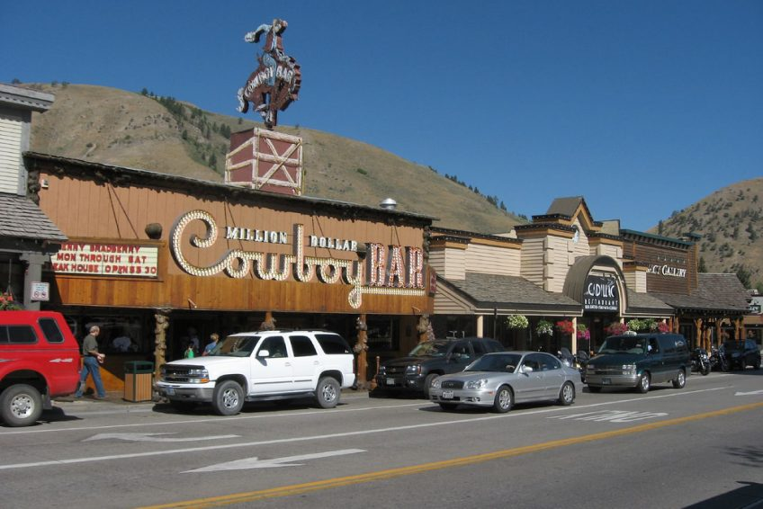 Million Dollar Cowboy Bar | Credit: Ken Lund CC BY-SA 2.0 Flickr | Jackson, Wyoming